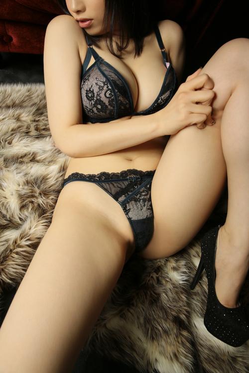 椎名 由良(24)